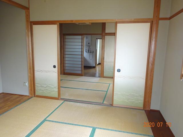 坂町タクシービル 2階