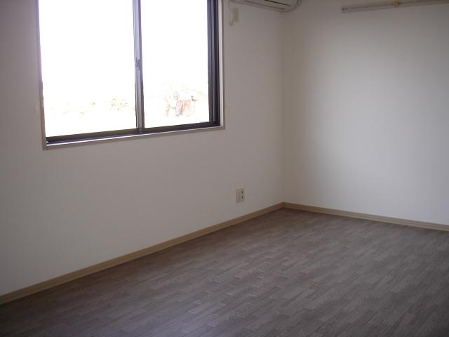 セジュールヤマキチ 101号室